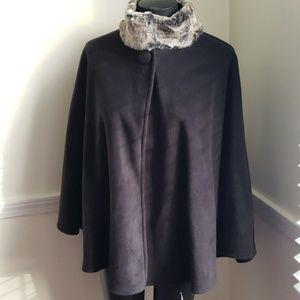OSFM East 5th Black Fleece Cape w faux fur collar